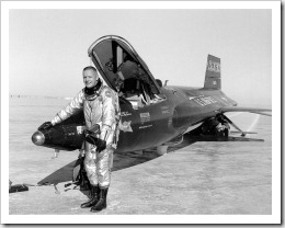 765px-Pilot_Neil_Armstrong_and_X-15_-1_-_GPN-2000-000121